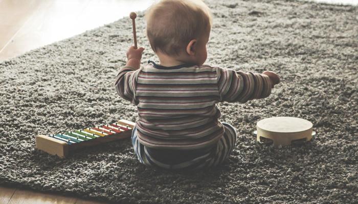 La musica migliora il linguaggio nei bambini