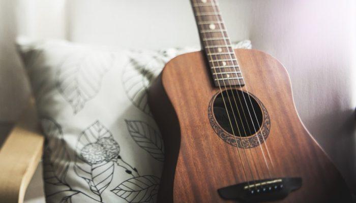 Psicologia e canzoni: una playlist al giorno… toglie il medico di torno!