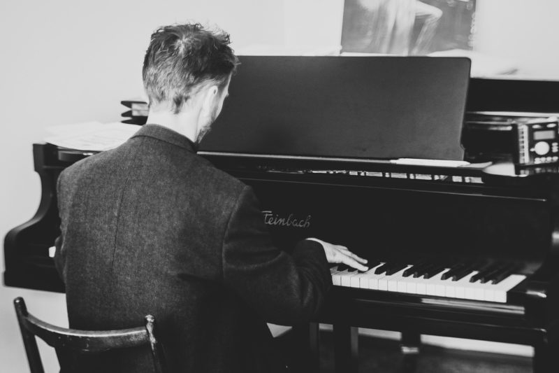 Perché la terapia con le canzoni aiuta mente, corpo e anima?