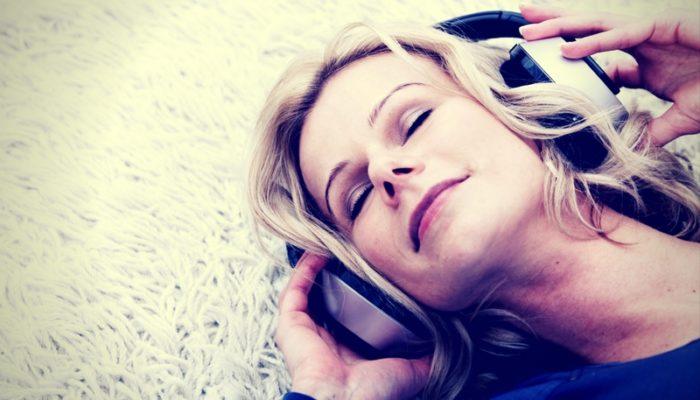 Playlist contro l'insonnia: le 30 canzoni per dormire bene