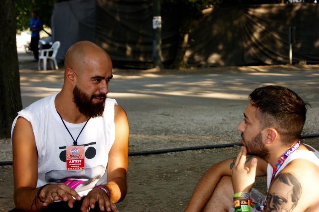 Dario Rossi durante l'intervista con lo psicologo del rock (io) @Sziget