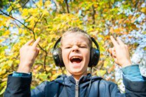 Un giovane scopre i gradi musicali della rabbia