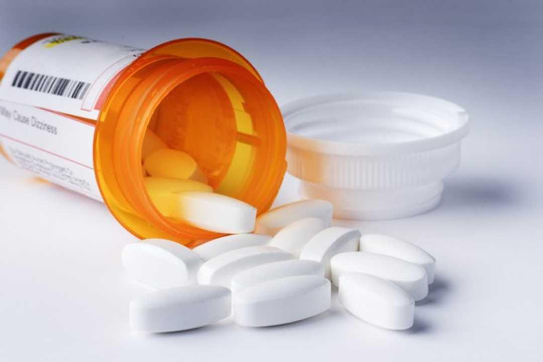 Gli antidepressivi fanno il botto: 4 canzoni per riflettere sulla medicalizzazione dell'esistenza